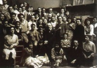 Lucien Simon entouré de ses élèves des Beaux-Arts vers 1930